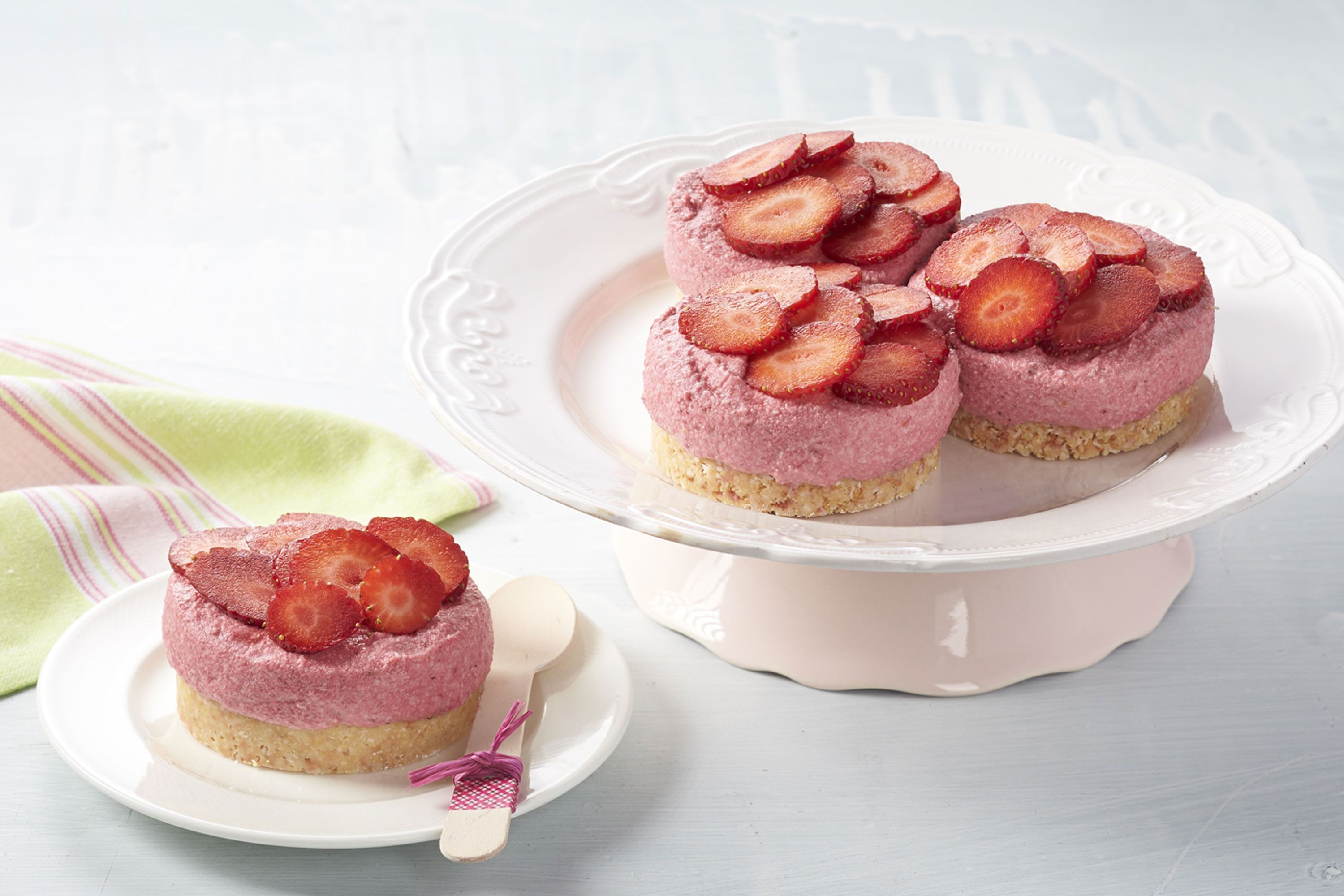 Fullsize Of Strawberry Mousse Cake