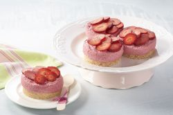Showy Gelatin Dairy Free Strawberry Mousse Jar Cakes 100416 1 Strawberry Mousse Cake Recipes Strawberry Mousse Cake Recipe