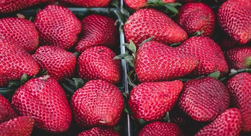 Why You Should Always, Always, Always Buy Organic Strawberries