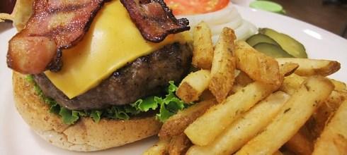 味蕾最愛你:PHAT burger (美式漢堡)(市府站一號出口)