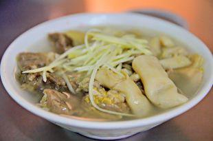 「完全抗拒不了溫體牛的誘惑嗎?」這間唯一能打敗台南溫體牛的牛雜湯,你一定要吃過的 6 間嘉義美食!