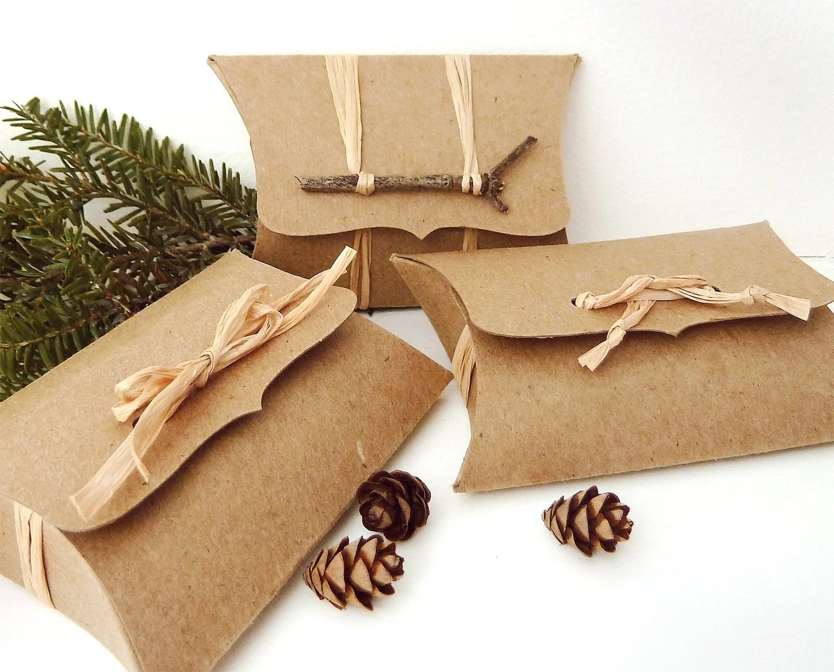 pillow boxes 50 recycled kraft diy wedding favor boxes zoom