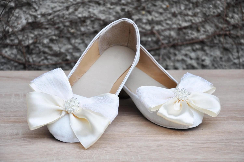 wedding shoes white glitter lace wedding wedding slippers zoom