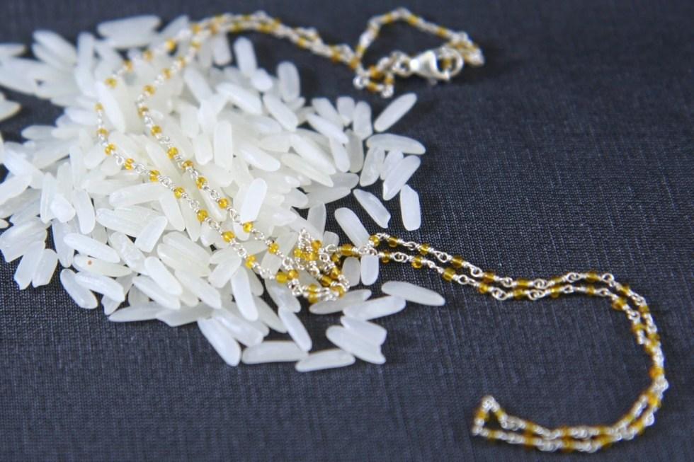 Tiny bead necklace, Delic...
