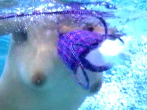 【水着エロ画像】夏と言えば水着からのハプニングでしょって思うので探してみた結果ww 10