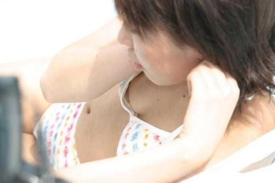 【水着エロ画像】夏と言えば水着からのハプニングでしょって思うので探してみた結果ww 16