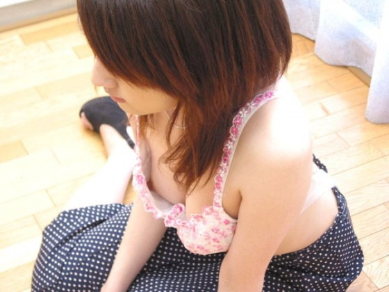 【エロ画像】女性達のハプニングいっぱいのおっぱい祭り 08