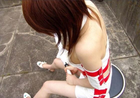 【街中エロ画像】街中で起きた女性達のハプニング画像を集めてみましたww 01