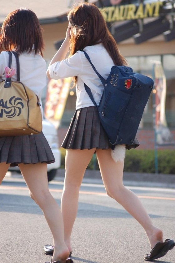 【エロ画像】エロいパンチラが見たくて見たくて探して集めてみましたww「ティーバッグがいい!」 17