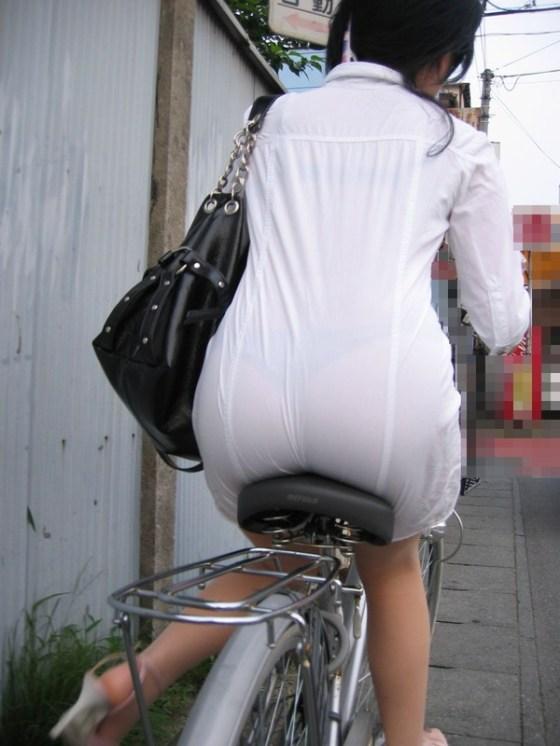 【透け画像】その透けて見えてるパンツはわざと見せてるんですか? 05