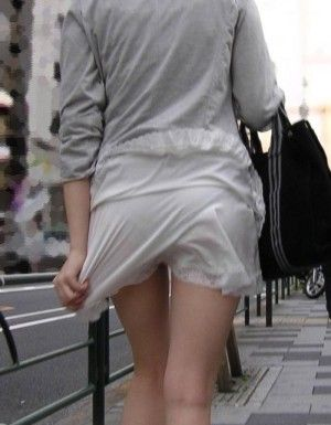 【透け画像】その透けて見えてるパンツはわざと見せてるんですか? 08