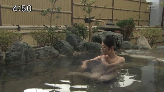 【入浴キャプ画像】際どいシーン満載の温泉レポ!いつポロリしてもおかしくないぞww 03