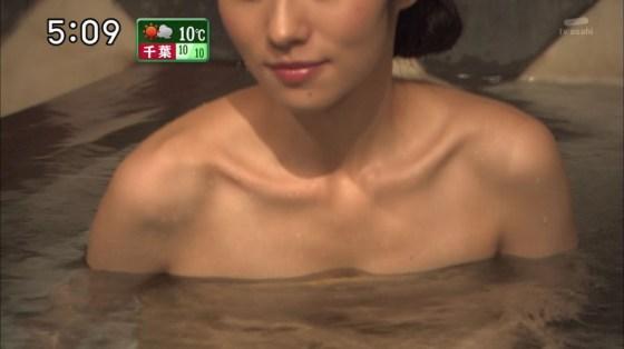 【入浴キャプ画像】際どいシーン満載の温泉レポ!いつポロリしてもおかしくないぞww 04