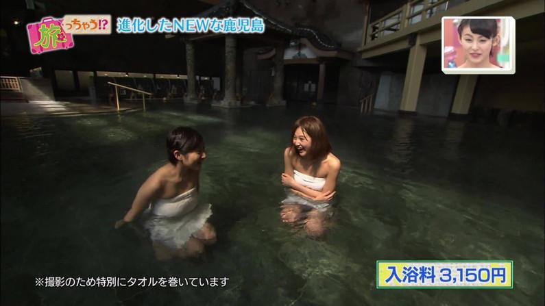 【温泉キャプ画像】バスタオル一枚でテレビに出るタレント達の体がエロすぎやしませんか??ww 02