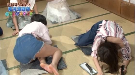 【足裏キャプ画像】可愛い女の子なら指の間だって舐めれるマニア必見足裏画像ww
