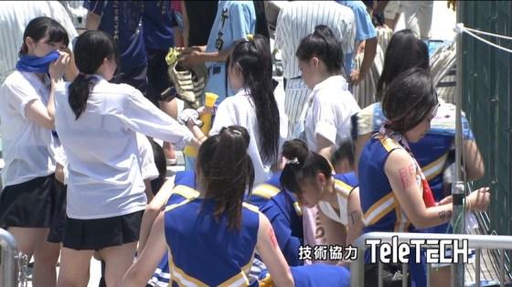 【甲子園エロ画像】この時期甲子園のスタンドはJKのパンツや透けブラが見放題になるww 18