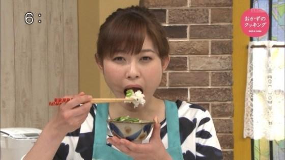 【擬似フェラキャプ画像】性欲の溜まってるタレント達が食レポで卑猥な顔しちゃってるww 22