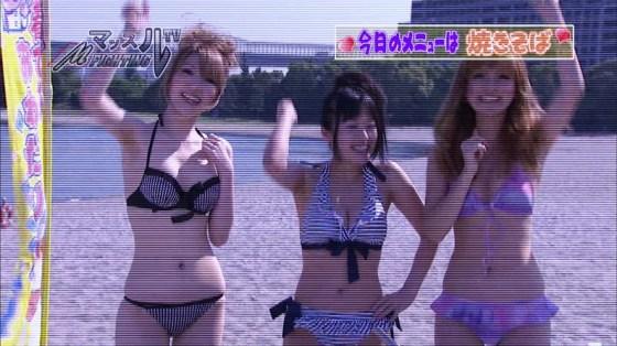 【水着キャプ画像】この時期テレビ局は水着美女のオッパイで視聴率上げまくるww 20