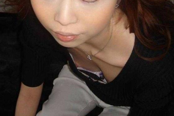 【乳首チラ画像】夏の薄着の女性は良く見たら乳首まで見えちゃってる人多すぎでしょww 09