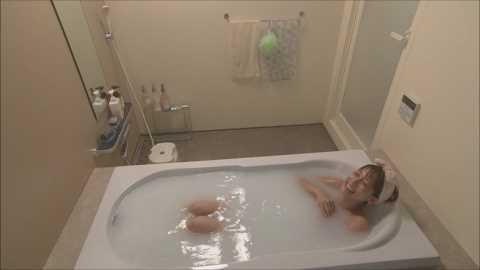 【温泉キャプ画像】温泉レポートで半乳晒してる女達って露出癖があるのか?ww 05