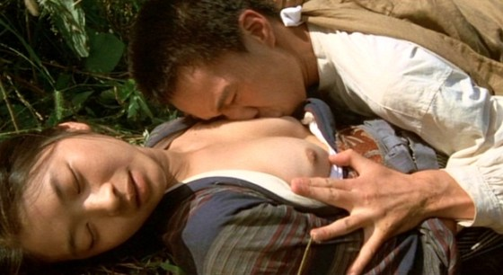 【濡れ場キャプ画像】濡れ場を演じてる女優さんがガチで感じちゃって乳首ピンコ立ちしちゃってるぞww 14