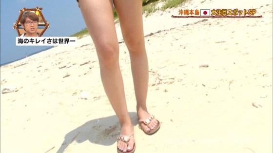 【太ももキャプ画像】やっぱり綺麗な脚の女の子が足露出してたら目を奪われるなw 09