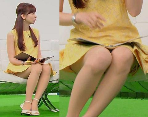 【放送事故画像】スカートの中が気になってテレビに集中できない!! 03