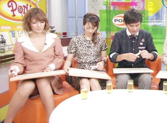 【放送事故画像】今日は何色のパンツでテレビに出よっかなぁ~wwスカートの中が気になる~ww 09