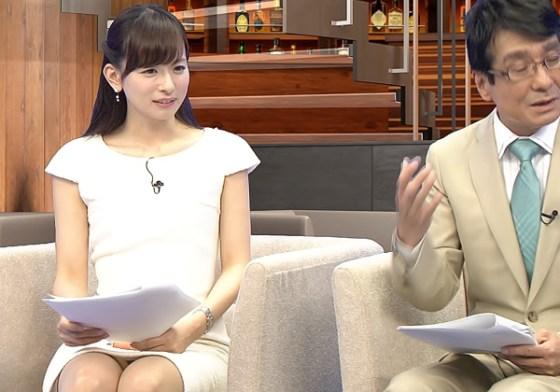 【放送事故画像】今日は何色のパンツでテレビに出よっかなぁ~wwスカートの中が気になる~ww 16
