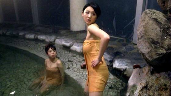 【放送事故画像】お風呂入ってる時の女ってなんでこんな色っぽくてエロく見えるんだろうww 16