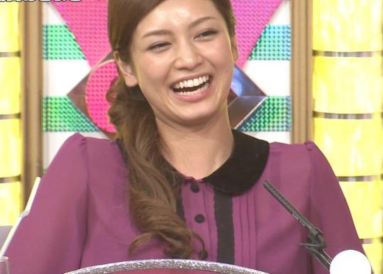【放送事故画像】じんわり染みになっちゃった脇の汗がテレビに映っちゃった女性達www 11