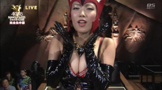 【放送事故画像】テレビに映ったオッパイを好きにしていいって言われたらどぉする?ww 16