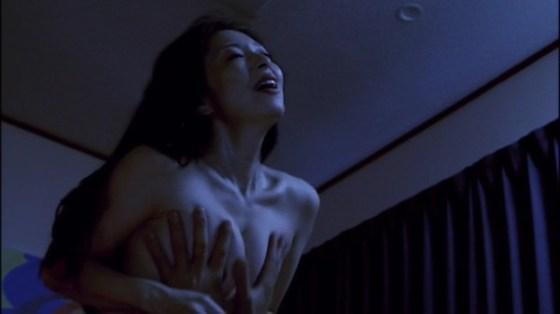 【お宝エロ画像】必見!女優たちの濡れ場シーンをかき集めましたwww 10