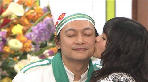 【放送事故画像】こんな顔してキスのおねだりされたら食べちゃいたくなるでしょwww 03