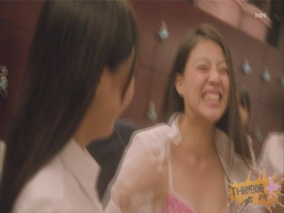 【お宝エロ画像】監獄学園第3話!脱衣シーンで女の下着姿映りまくりww