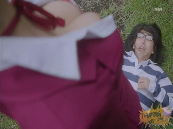 【お宝エロ画像】監獄学園第3話!脱衣シーンで女の下着姿映りまくりww 13
