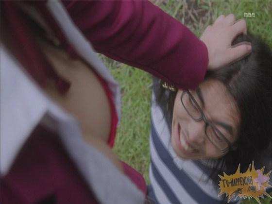 【お宝エロ画像】監獄学園第3話!脱衣シーンで女の下着姿映りまくりww 16