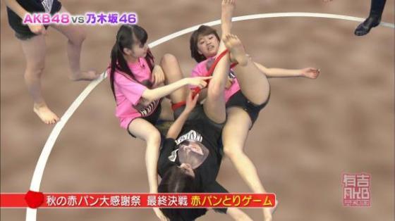 【放送事故画像】女子アナやアイドルの太ももってテレビで見られるだけあってエロいよなww 20