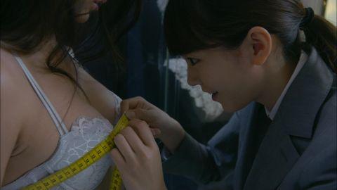【放送事故画像】ドラマのエロシーンって下着は勿論乳首まで普通に出すよなwww 24