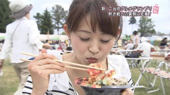 【擬似フェラ画像】テレビでこれ見よがしにエロい食べ方で男を誘惑する女達www 10