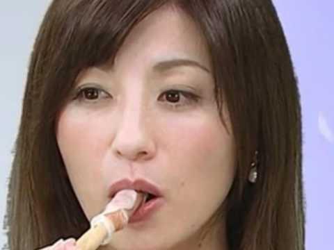 【擬似フェラ画像】テレビでこれ見よがしにエロい食べ方で男を誘惑する女達www 15