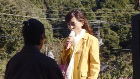 【擬似フェラ画像】テレビでこれ見よがしにエロい食べ方で男を誘惑する女達www 24