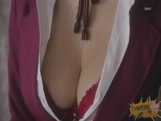 【お宝エロ画像】監獄学園第4話!まさか、脱衣からの聖水シーンまでやっちゃう!? 14