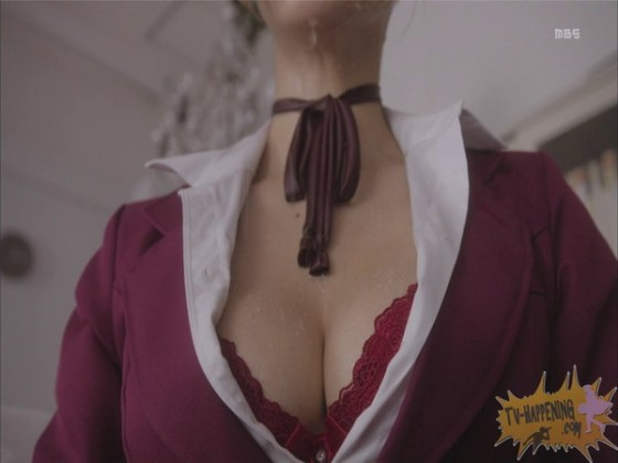 【お宝エロ画像】監獄学園第4話!まさか、脱衣からの聖水シーンまでやっちゃう!? 16