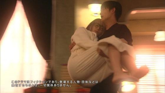 【放送事故画像】女のお尻ばっかり追いかけてるカメラマンがナイスアングルでお尻を映してくれたwww 06