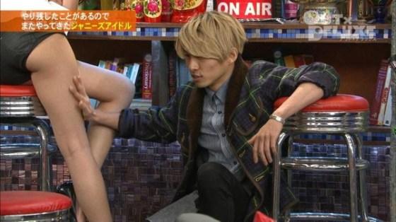 【放送事故画像】パンストの脚もいいけど、俺はやっぱり生足が好きww 07