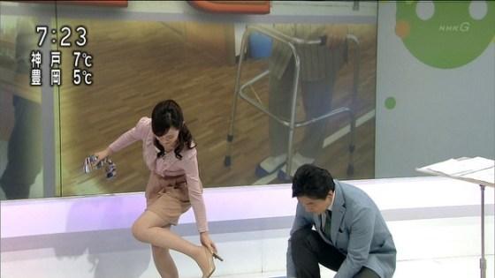 【放送事故画像】パンストの脚もいいけど、俺はやっぱり生足が好きww 15