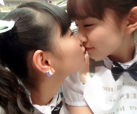 【放送事故画像】キス顔に萌え~!あぁ俺もこんな子達とチュ~したいよぉ~ww 02