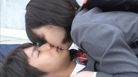 【放送事故画像】キス顔に萌え~!あぁ俺もこんな子達とチュ~したいよぉ~ww 14