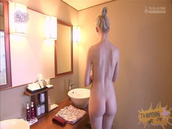 【お宝エロ画像】今回の温泉に行こうは外人の金髪美女!!お尻マジエロいwww 22